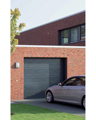 porte de garage sectionnelle h rmann la maison de la clef serrurerie nice. Black Bedroom Furniture Sets. Home Design Ideas